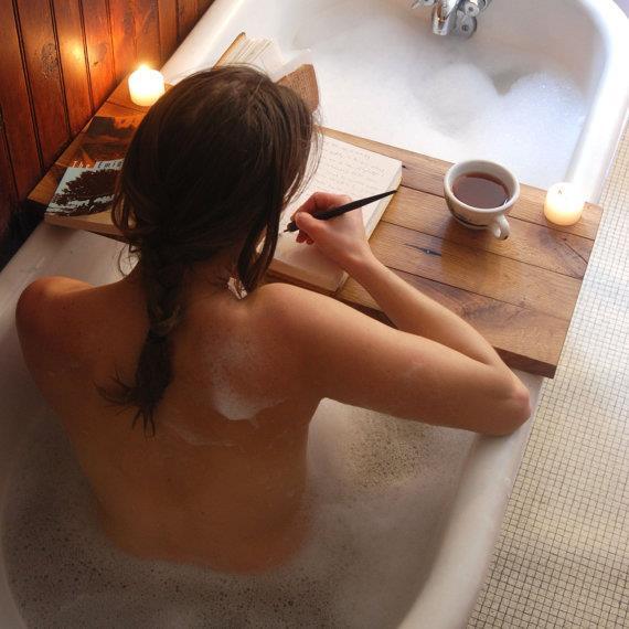 Badewannenablage_Holz.jpg
