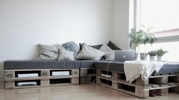 couch aus paletten home design forum f r wohnideen und raumgestaltung. Black Bedroom Furniture Sets. Home Design Ideas