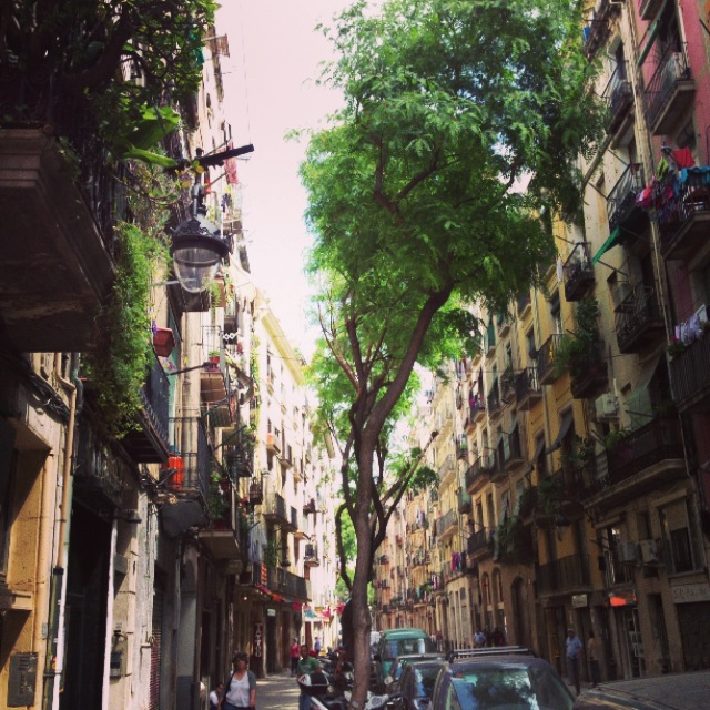 Petit_Penthouse_Barcelona_StreetView.JPG